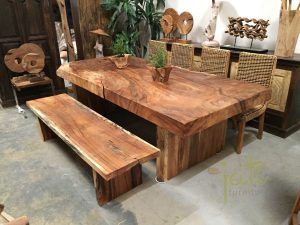 Making a home attractive with wooden table